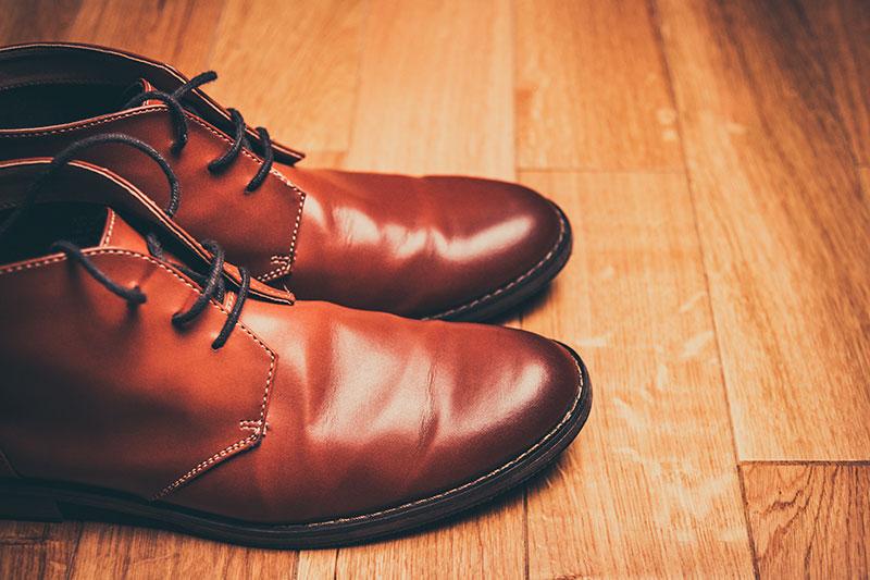поддържани кафяви обувки от естествена кожа