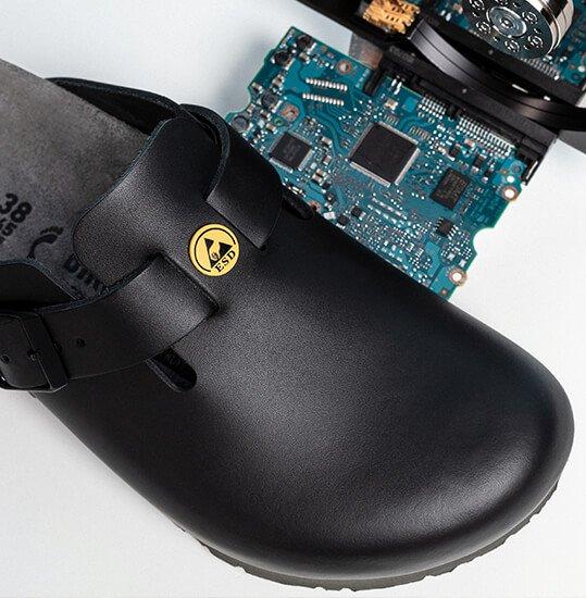 анти-статичните свойства на професионалните обувки BirkenStock