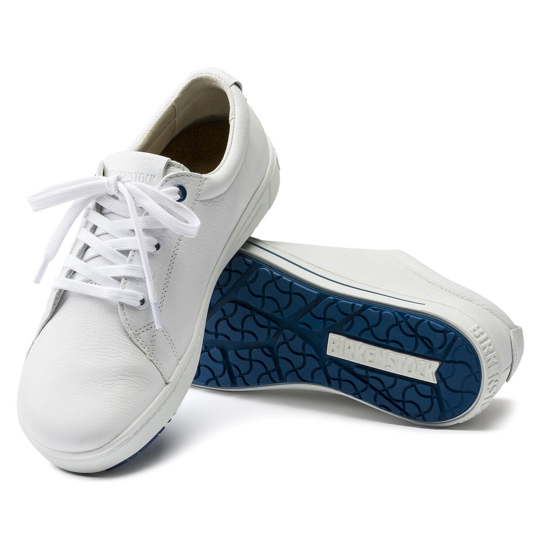 чифт бели професионални работни обувки от ест. кожа Биркенщок / Birkenstock QO 500 NL подметка