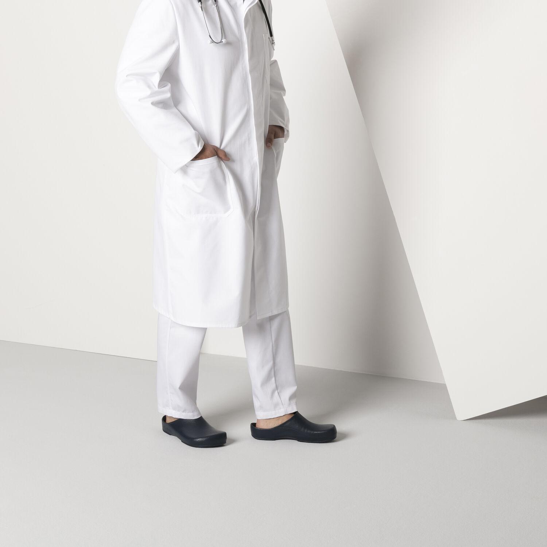 професионално затворено сабо Birkenstock Klassik Birki Antistatic обути с бяла докторска униформа