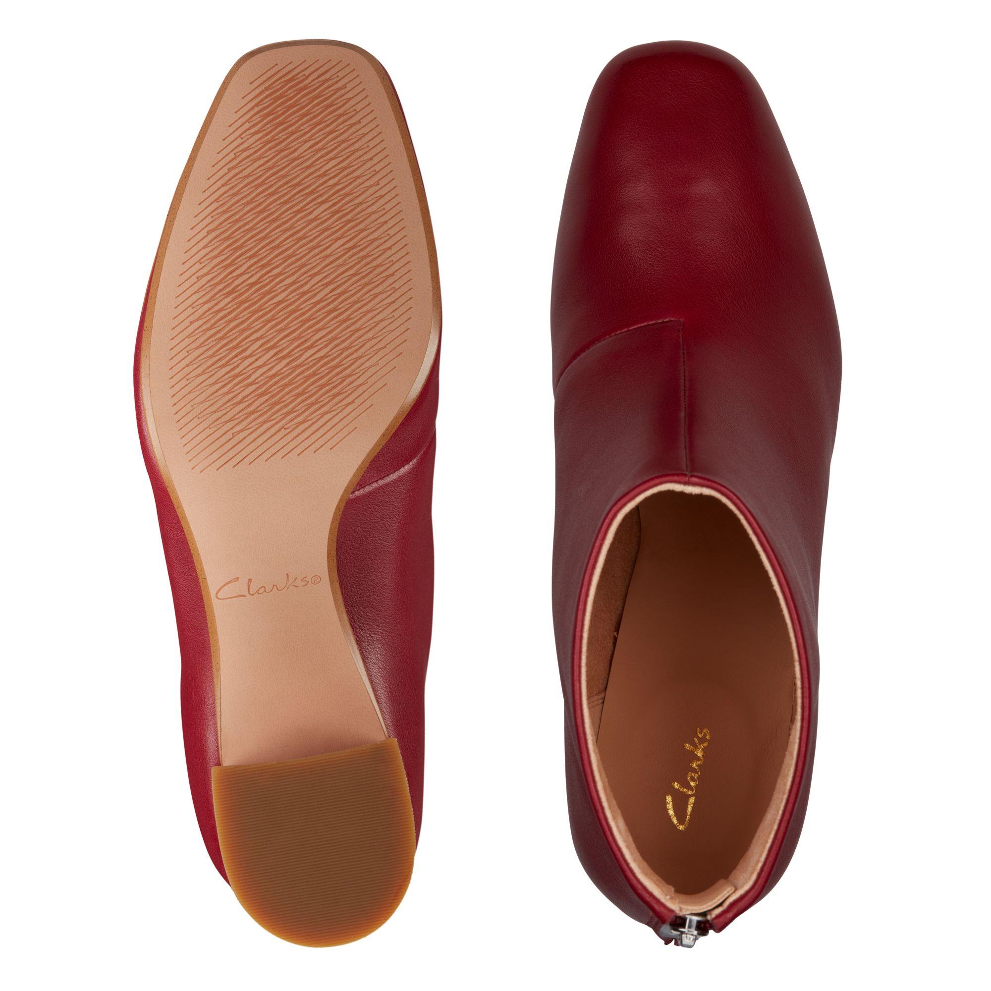 Дамски елегантни боти Clarks Sheer55 Zip Wine Leather червени - снимка 7