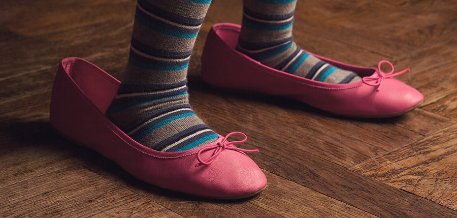 дамски обувки големи номера - снимка за корица