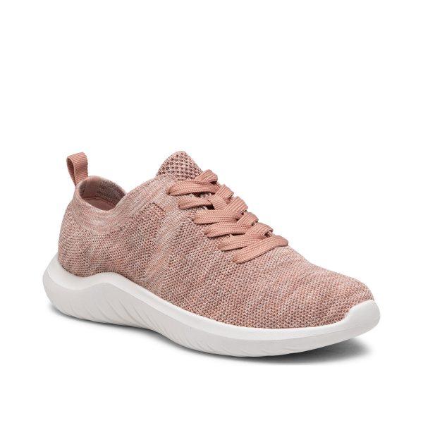 Дамски спортни обувки от текстил Clarks Nova Glint светло розово - снимка 1