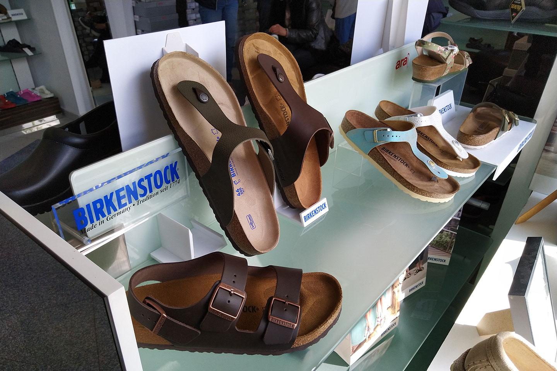 обувки в магазин КЛОГ град София - снимка 12