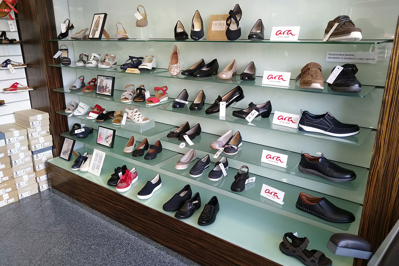 обувки в магазин КЛОГ град София - снимка 18