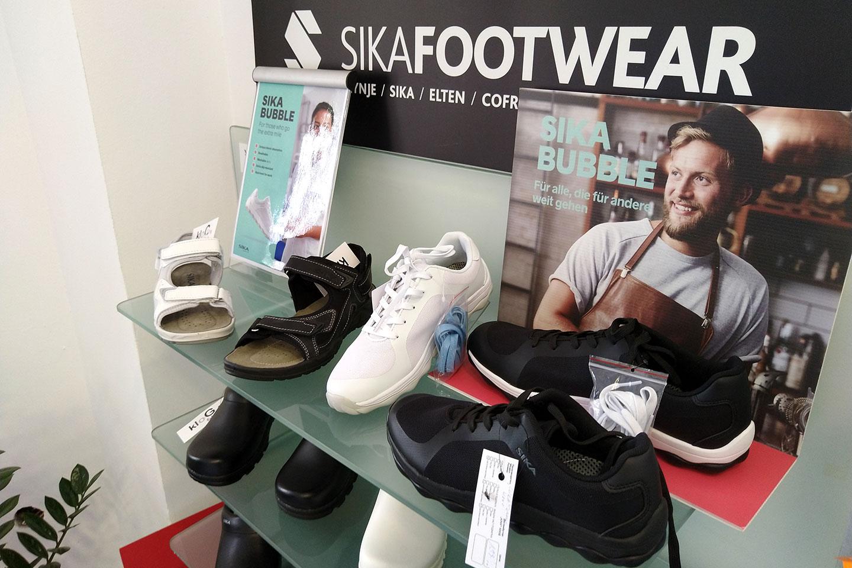 обувки в магазин КЛОГ град София - снимка 1