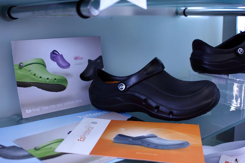 обувки в магазин КЛОГ град София - снимка 5