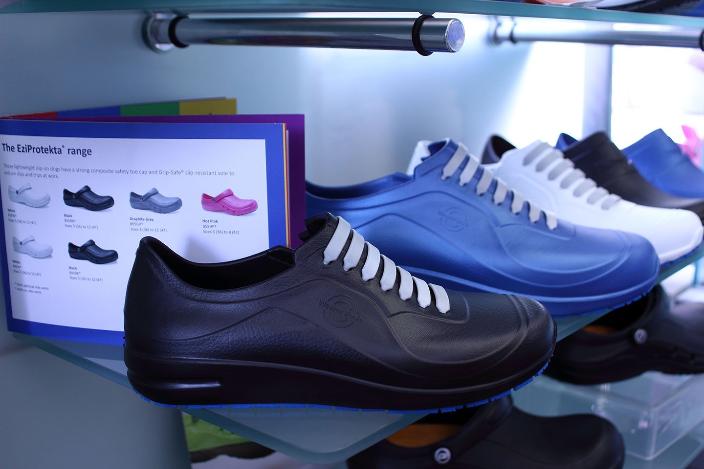 обувки в магазин КЛОГ град София - снимка 7