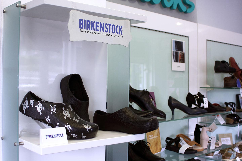 обувки в магазин КЛОГ град София - снимка 8
